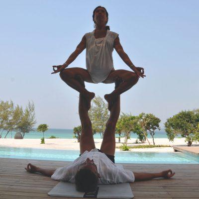 Partner acrobatics thone pose