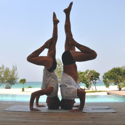 partner acrobatics, double headstand