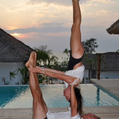 partner acrobatics, shoulder-stand